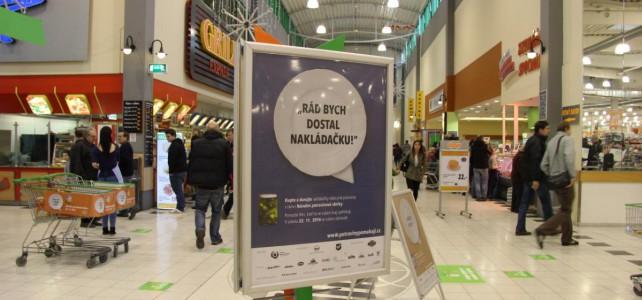 Hradecký deník: Sbírka potravin se blíží, charita hledá dobrovolníky