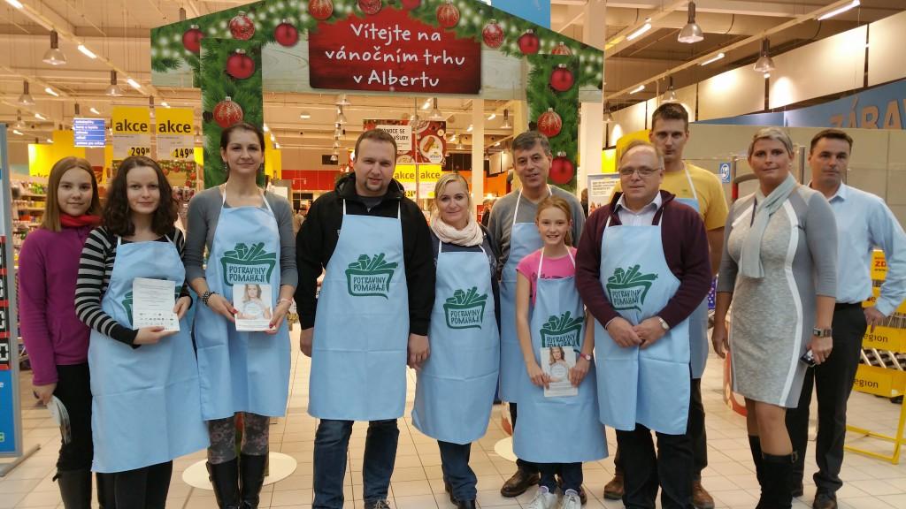 Do Alberta v Olomouci přišel nakoupit a pomoc i ministr zemědělství Marian Jurečka.