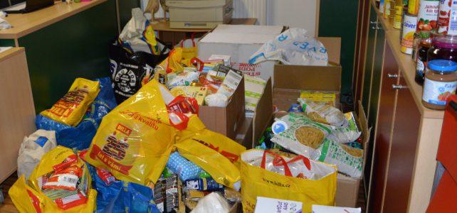 Děti opět pomohly se sběrem potravin